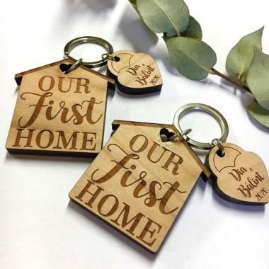 IMG_1134_380x380 Az első otthonunk páros kulcstartó | MeDáLia - Egyedi Ajándéktárgyak