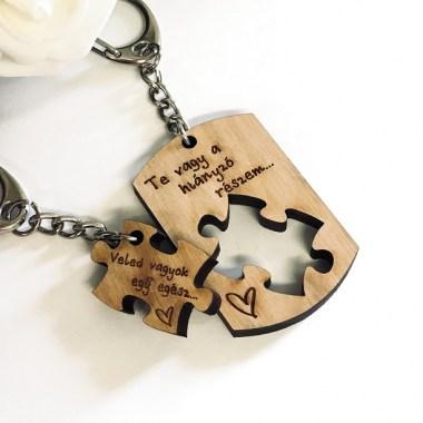 Szerelmespár fa kulcstartó dögcédula + puzzle Szerelmespár fa kulcstartó  dögcédula + puzzle. IMG E5067 380x380 Kulcstartók ... ead89a6caf
