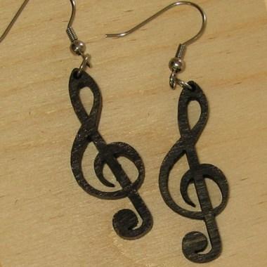 MDL0075_380x380 Fülbevalók: Fa fülbevaló kivágott violinkulcs mintával | MeDáLia - Egyedi Ajándéktárgyak